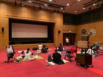 「みる」母と子の映画寺子屋上映会